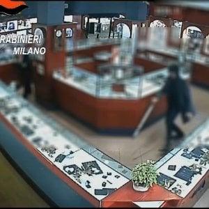 Rapinarono una gioielleria nel Milanese: arrestato il secondo ladro