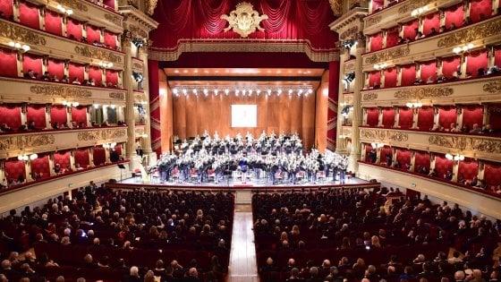 La banda musicale della Polizia di Stato compie 90 anni: concerto alla Scala di Milano