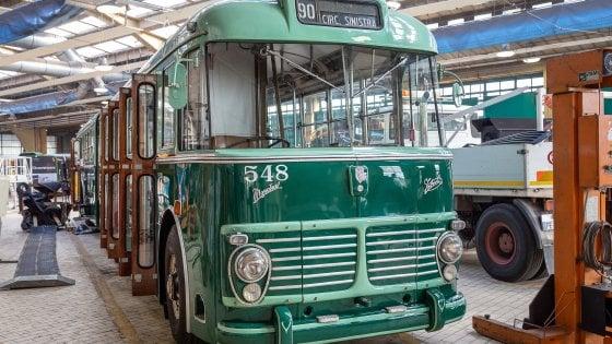 Auguri vecchio, nuovo filobus: Milano festeggia gli 85 anni della sua circolare