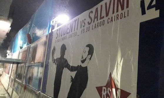 Milano, manifesti contro Salvini: il ministro con il corpo da topo e colpito da un libro
