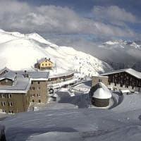 Neve in Valtellina: gli elicotteri 'salvano' le 200 persone bloccate allo Stelvio