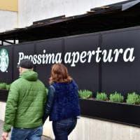 """Milano: """"Prossima apertura"""", il nuovo Starbucks ai nastri di partenza"""