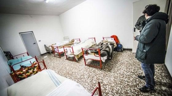 """Bergamo, l'invito della Caritas: """"Dormire con i senzatetto per capirne la realtà"""""""