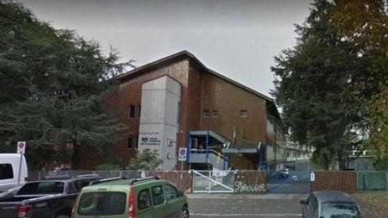 Maestra presa a sediate, all'istituto di Vimercate arrivano i carabinieri