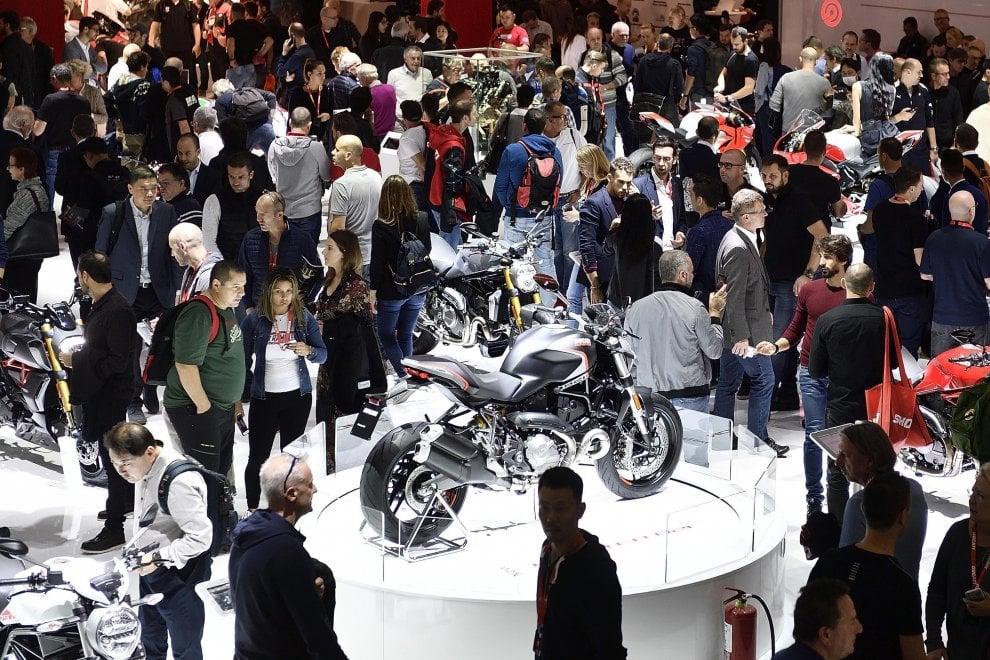 Milano, apre Eicma: il mondo delle 2 ruote riunito a Rho-Fiera
