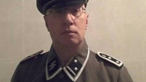 Brianza, si fece fotografare con la divisa da SS: comandante dei vigili sarà processato