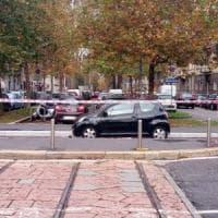 Milano, 80enne in contromano finisce sul marciapiede e investe due donne: una è grave