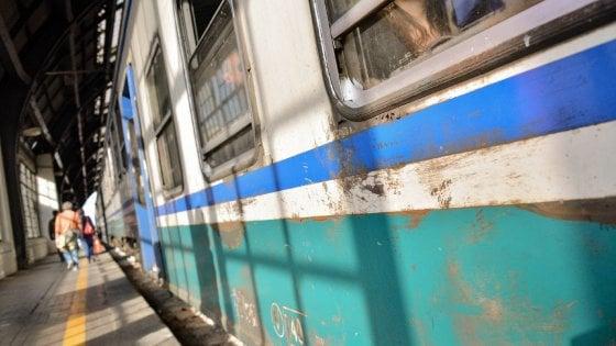 """Pendolari, il piano di Trenord: """"Autobus al posto dei treni sulle linee meno frequentate"""""""