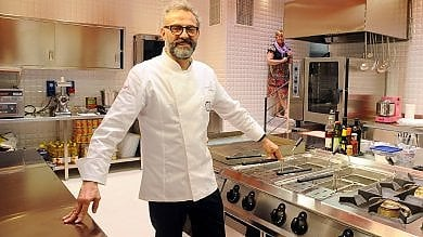 Lo chef Bottura e il cantante Elio, ecco  gli Ambrogini 2018: Chiara Ferragni è fuori
