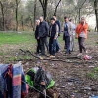 Milano, l'assessore Gallera e il bosco della droga: