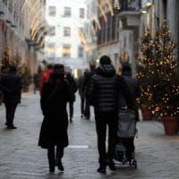 Milano, colpo grosso al Quadrilatero della Moda: rubati 300mila euro di piumini in 90...