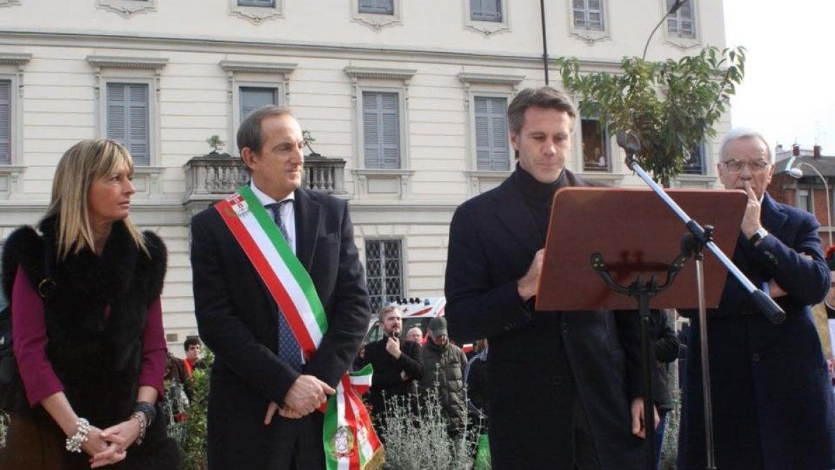 Emanuele filiberto di savoia a busto arsizio dopo le for Le torri arredamento busto arsizio