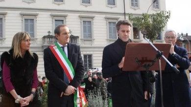 """Emanuele Filiberto a Busto Arsizio dopo le polemiche: """"Io in politica? Chissà"""" ·   Video"""