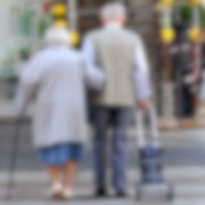 Milano, picchiava e legava coppia di anziani: arrestata bada
