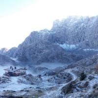 Bergamo, spettacolo a 2000 metri: le Orobie abbracciate dalle nuvole
