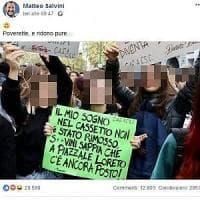 """Milano, i collettivi contro Salvini: """"Ha attaccato studentesse sui social, ora per loro..."""