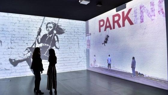 Banksy, la street art arriva al museo: al Mudec di Milano le opere dell'artista misterioso