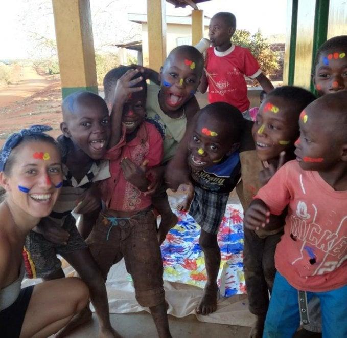 Dalla laurea a Milano all'Africa: chi è Silvia Romano, la volontaria rapita in Kenya