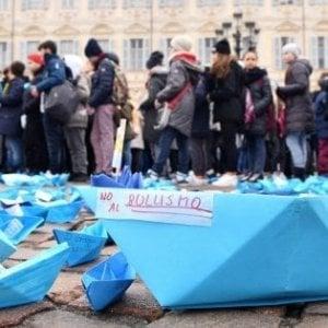 Bullismo, quattro denunciati a Erba: botte a un coetaneo per avere 250 euro