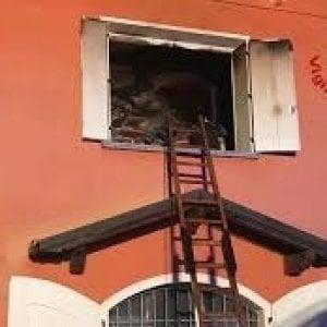 Mantova, bimbo morto nella casa bruciata dal padre: lunedì la convalida del fermo