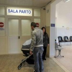 Neonata morta dopo il parto a Bergamo: indagati 13 medici e infermieri