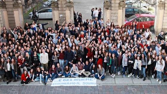 """Pavia, i liceali del Cairoli chiedono l'orario prolungato: """"Un'ora in più per studiare la Costituzione"""""""