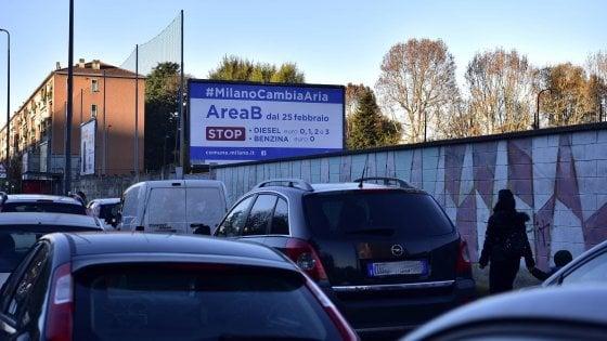 Area B, spuntano i primi cartelli: a Milano è iniziato il conto alla rovescia per il blocco ai diesel