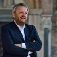 Lodi, l'ex sindaco Simone Uggetti condannato a 10 mesi per lo scandalo piscine