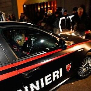 Milano, travolge una ragazza e fugge: pirata della strada inseguito e bloccato da un passante