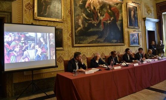 Milano, la mostra di Natale a Palazzo Marino: sotto l'albero arriva la pala del Perugino