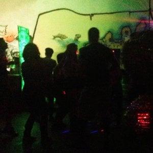 Milano, in 200 al rave party nel capannone abbandonato