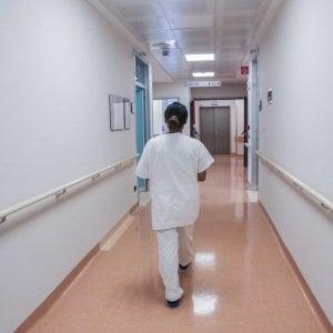 Monza, malata di leucemia cade in ospedale e muore: 4 medici finiscono sotto inchiesta