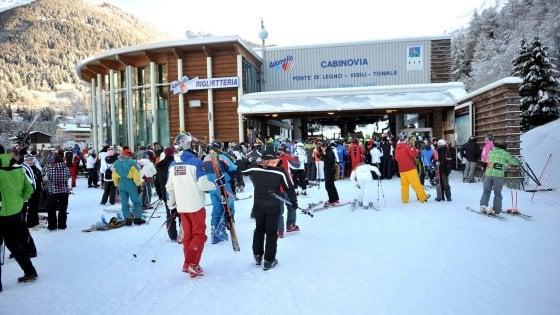 Apre la stagione della neve in Lombardia: arriva lo skipass per saltare le code sulle piste