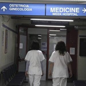 Monza, bimbo paralizzato per errori in sala parto: a processo cinque medici