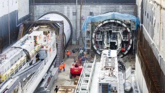 """Milano, la maxi talpa inizia lo scavo della M4 in centro: """"Nel 2021 apriremo la prima tratta del nuovo metrò"""""""