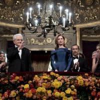 Attila conquista la Scala di Milano: quasi 15 minuti di applausi. Ovazione per Mattarella alla Prima