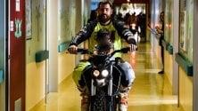 Con la moto in corsia: a Milano e Lecco il regalo di Natale del motoclub per i bimbi ricoverati    · Ft