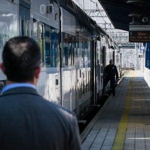"""""""Cara Santa Lucia, passa un attimo dalla stazione..."""": la lettera di protesta dei pendolari bergamaschi"""