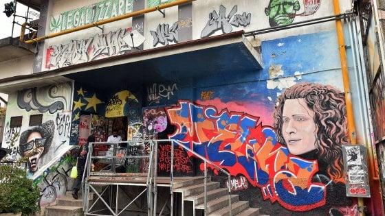 """Milano, l'appello del Leoncavallo: """"Lasciateci in via Watteau, il sindaco Sala ci aiuti"""""""