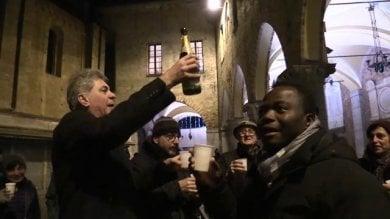 Lodi, notte di festa dopo la vittoria dei bambini: brindisi e canti sotto il Comune    Vd