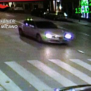 Ciclista travolto e ucciso a Milano, diffusa la foto dell'auto del pirata della strada