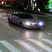Milano, ciclista travolto e ucciso da un'auto: si costituisce il