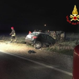 Milano, scontro frontale tra due auto sulla provinciale: una vittima