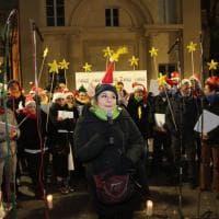 A Milano il villaggio di Natale arcobaleno della comunità Lgbt