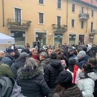 Milano, duro faccia a faccia tra il sindaco Sala e i centri sociali anti-sgomberi