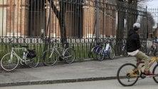 """Desenzano, bici vietate nelle piazze del centro: """"Ciclisti maleducati, motivi di sicurezza"""""""