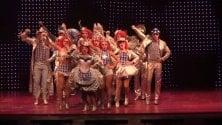 """Dietro le quinte di 'Priscilla la regina del deserto', musical senza tabù per le famiglie"""""""