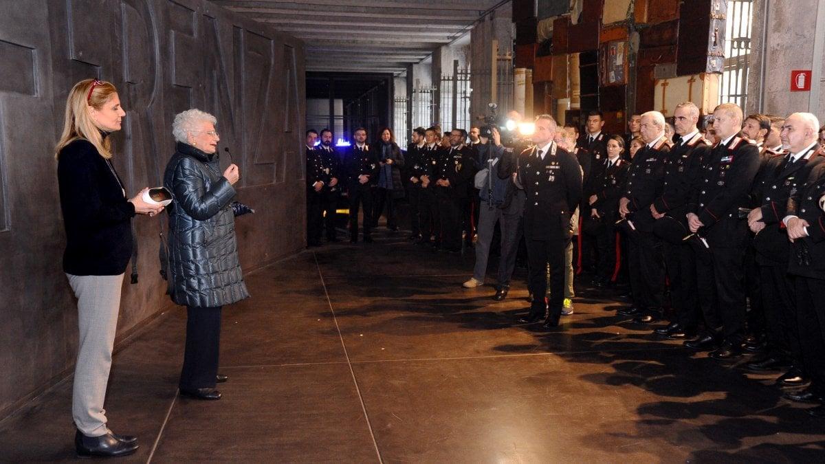 Milano, Liliana Segre al Binario 21 con cento carabinieri