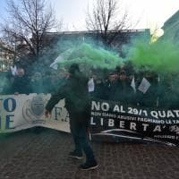 Milano, la protesta degli Ncc davanti al Comune
