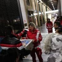 Gessate, ordinano 60 pizze poi non si presentano nel locale: il titolare le regala ai senzatetto